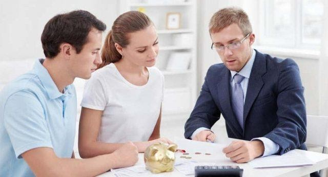 Why the financial advisor is an essential one for every investment