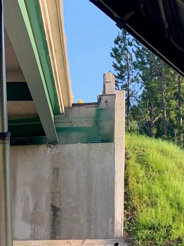 i16 dump trailer bridge kemp2