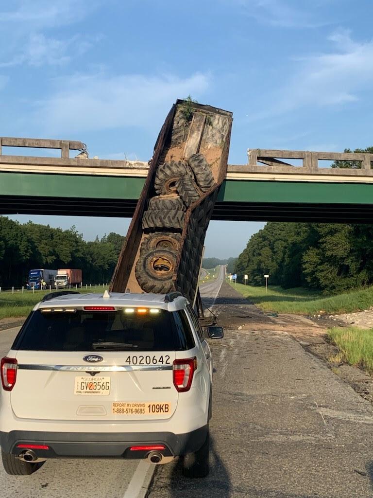 i16 dump trailer bridge kemp3